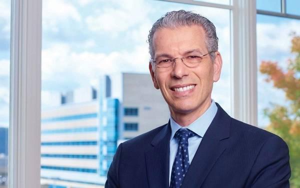 Dr. David Fienberg
